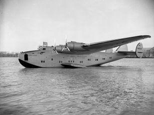 800px-Boeing_314_Yankee_Clipper_1939