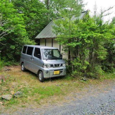 【売買】250万 岡山県美作市万善 山々に囲まれた 2面ウッドデッキ付き2階建別荘