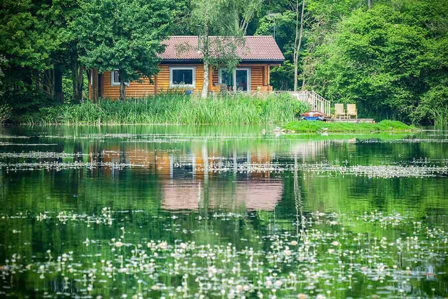 Lakeside Holiday Cottage