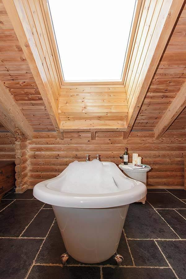 couples-log-cabin-UK