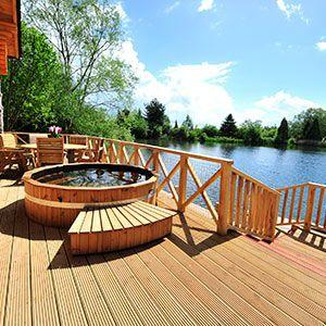 holiday-lodges-with-hottub