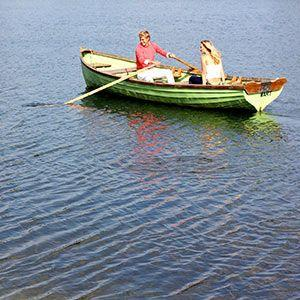 lodges-on-a-lake