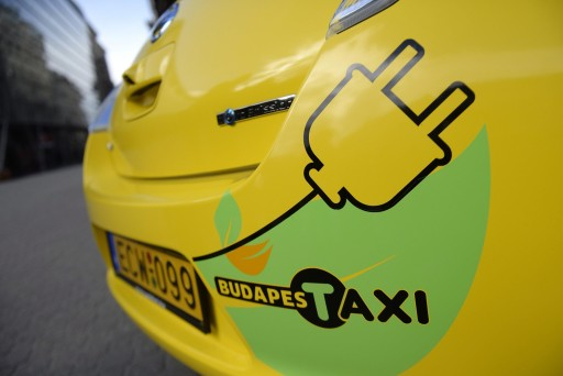 zold_taxi