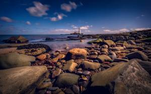 worm s eye view photography of lighthouse