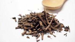 金沢の香り高い「加賀棒茶」は茎を使用した香り高いプレミアム焙じ茶。お土産にもおすすめ!