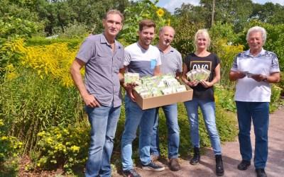 Stadt verteilt Samentütchen