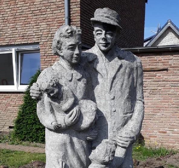Bergmannsfamilie auf Heimatsuche