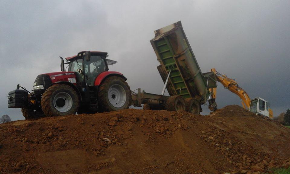Permalink zu:Arbeit mit Landmaschinen