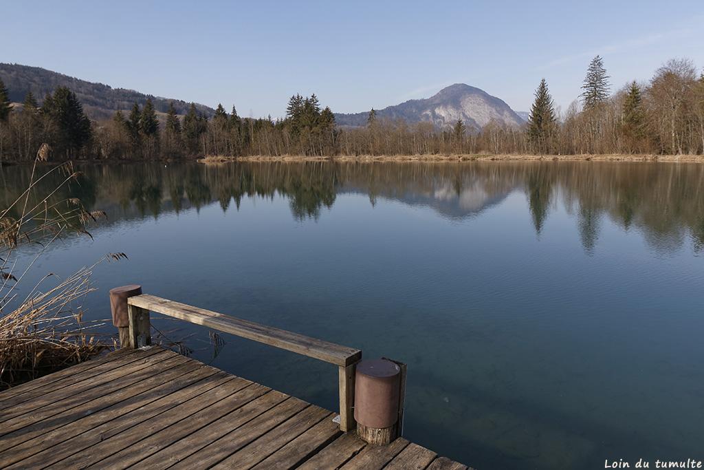 Au bord du lac des Vernays à Taninges