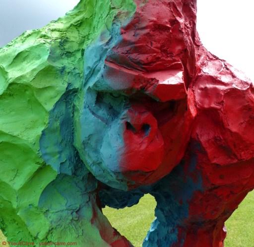 Gorilla d'Olivier Courty - ANIMAL - Exposition de sculpture animalière monumentale contemporaine à Briare - photo copyright Yseult Carré