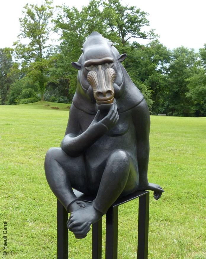 Sage Mandrill - sculpture de Florence Jacquesson - ANIMAL - Exposition de sculpture animalière monumentale contemporaine à Briare - photo copyright Yseult Carré