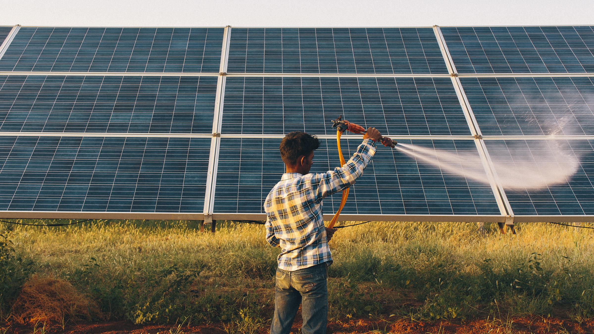 Energia solar de agricultores indianos ajudará distribuidoras
