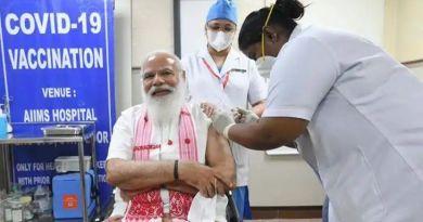 पंतप्रधान नरेंद्र मोदींनी घेतला लसीचा पहिला डोज:भारताला कोविडमुक्त बनवूया-मोदी