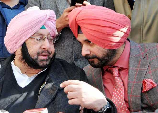 Harish Rawat briefs Rahul Gandhi on Punjab, to visit Chandigarh next week