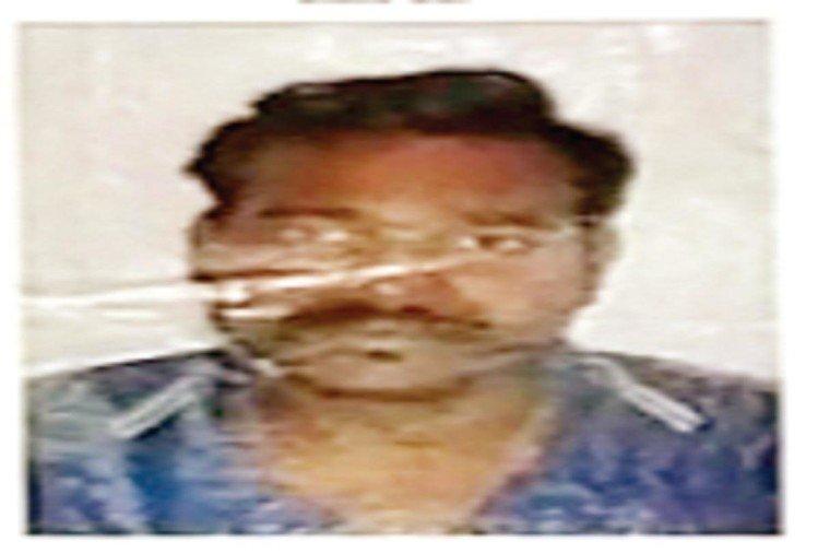 प्रतापगढ़ में एटीएस के द्वारा गिरफ्तार किया गया आरोपी।
