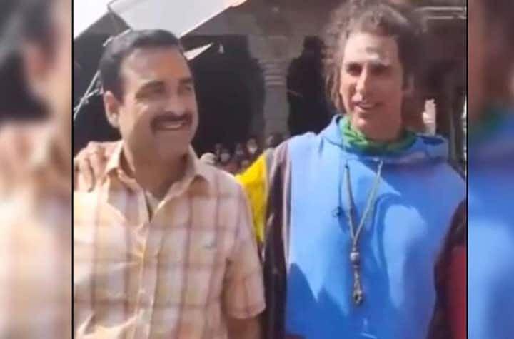 अक्षय कुमार ने अपनी सह-कलाकार पंकज त्रिपाठी के साथ फिल्म बनाने के लिए शेयर की एक फोटो