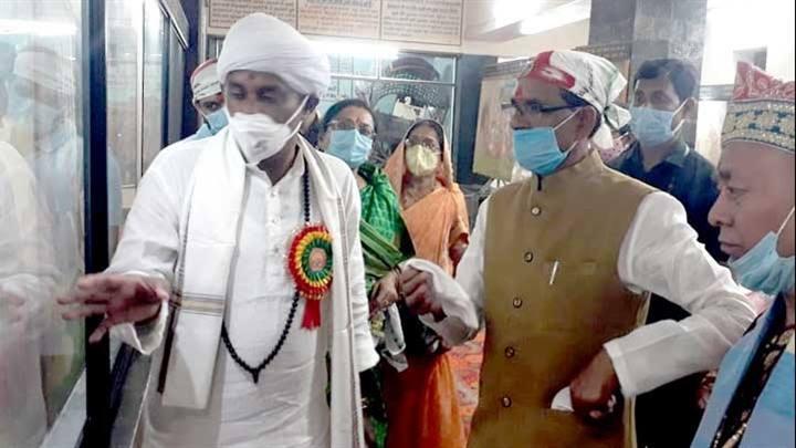 मुख्यमंत्री श्री चौहान ने श्री प्राणनाथ जी म्यूजियम का किया अवलोकन