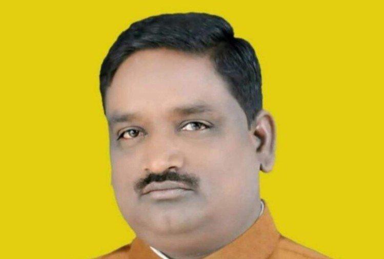 राज्यमंत्री पलटू राम