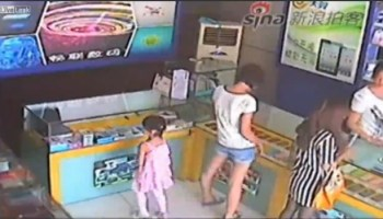 Miúda rouba iPad em loja como uma ladra profissional
