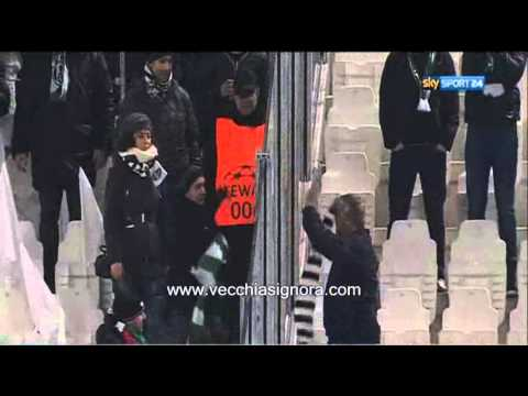 Juventus-Celtic: Troca de cachecóis
