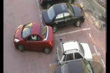 Dois condutores disputam um lugar