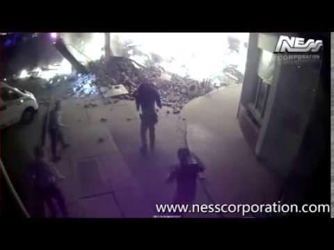 Tentativa de assalto a multibanco com gás/bomba falha, assaltante fica preso nos escombros