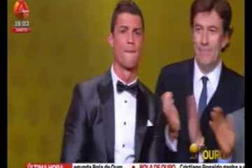 Vê a entrega da bola de ouro 2014, A emoção de Ronaldo, diz tudo