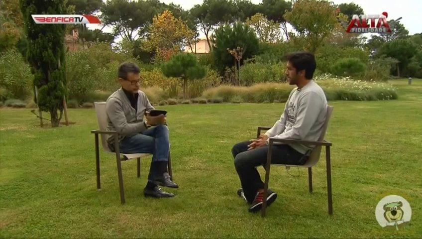 Apresentador da Benfica TV faz pergunta inacreditável