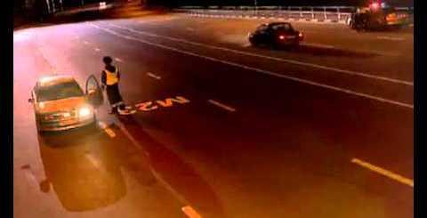 Policia manda parar carro com luz fundida e o impensável acontece