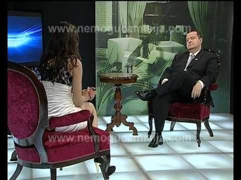Jornalista sem cuecas entrevista primeiro ministro