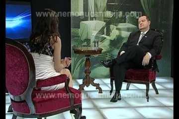 Jornalista sem cuecas entrevista primeiro ministro da Sérvia