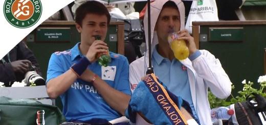 Chuva em Roland Garros e Novak Djokovic faz isto