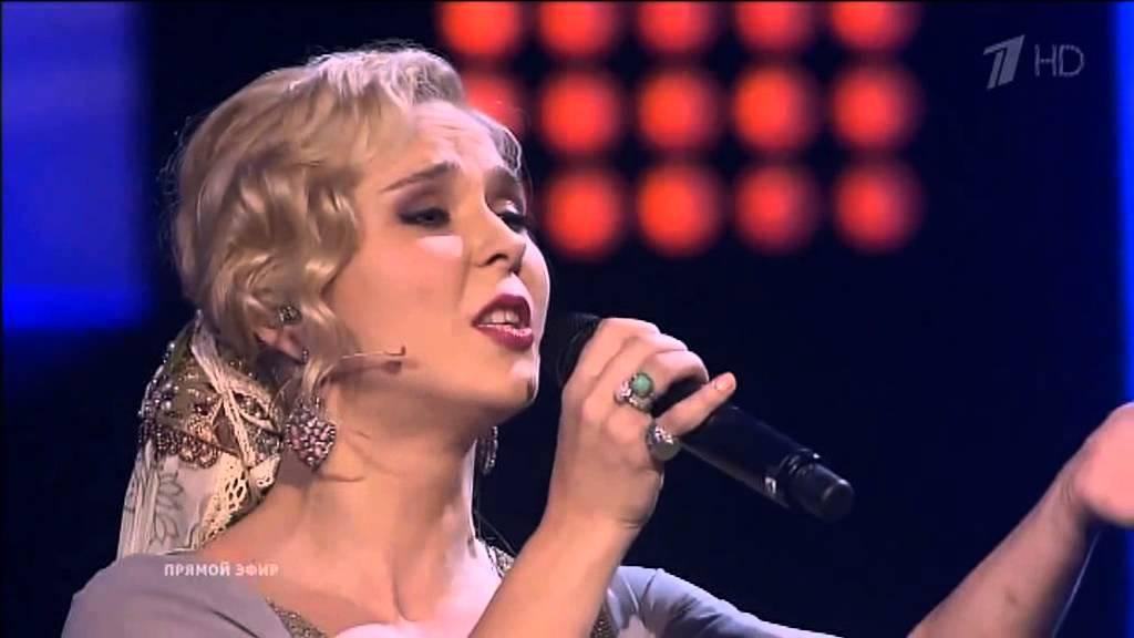 2 russas interpretam Canção do mar em programa de TV