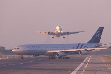 Colisão entre aviões evitada no último instante