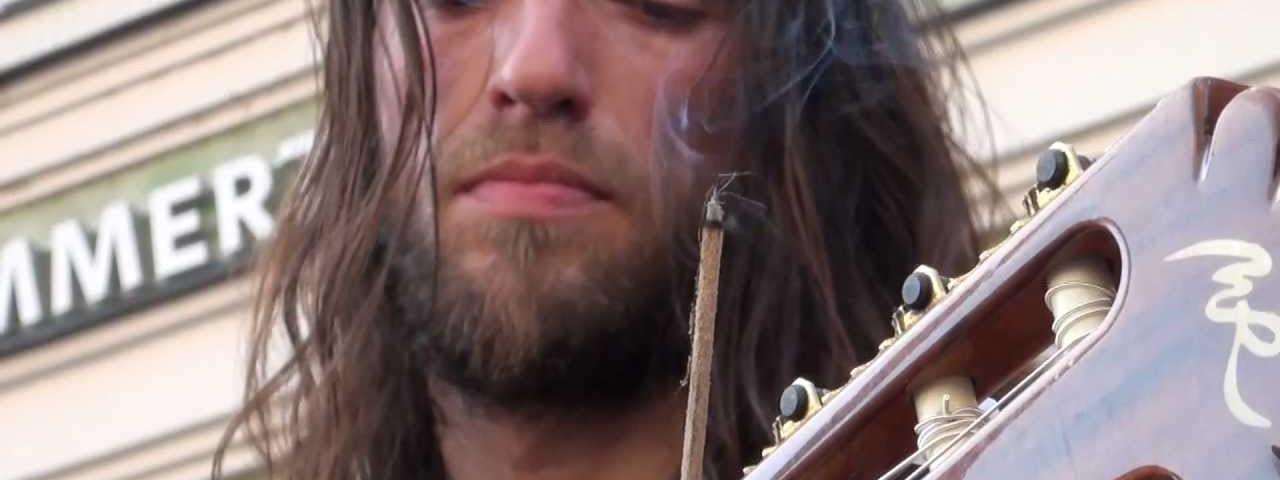 guitarrista russo Estas Tonne