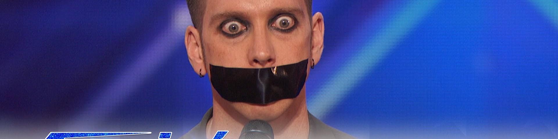 Comediante sem dizer uma palavra deixa júri rendido