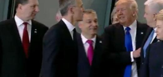 Trump empurra ministro para ficar na frente da foto