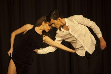 Bailarines-lola group-evento-Miró