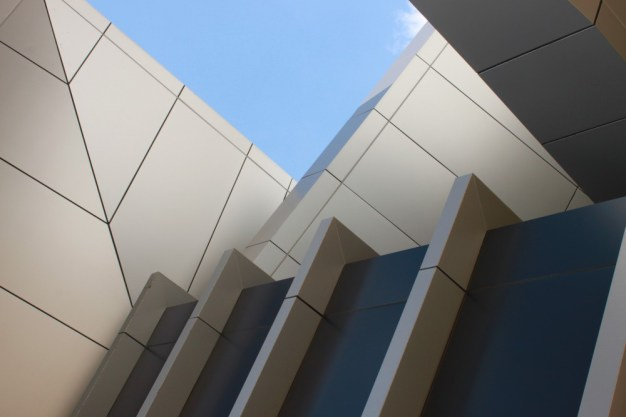 UQ Modern architecture