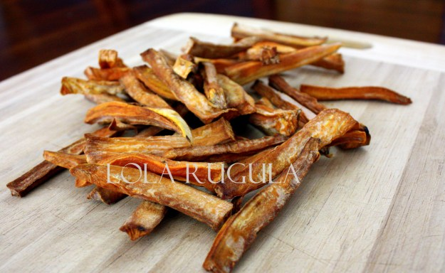 homemade-chewy-sweet-potato-dog-treats-recipe-lola-rugula