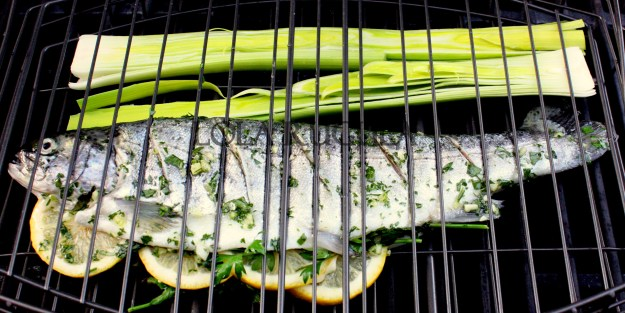 how-to-grill-whole-rainbow-trout-recipe-lola-rugula