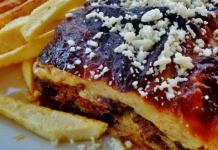 moussaka - culinária grega