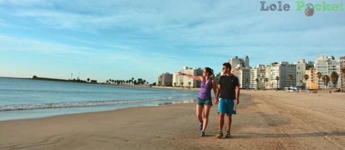 Playa de Pocitos numa caminhada pela manhã, Montevidéu