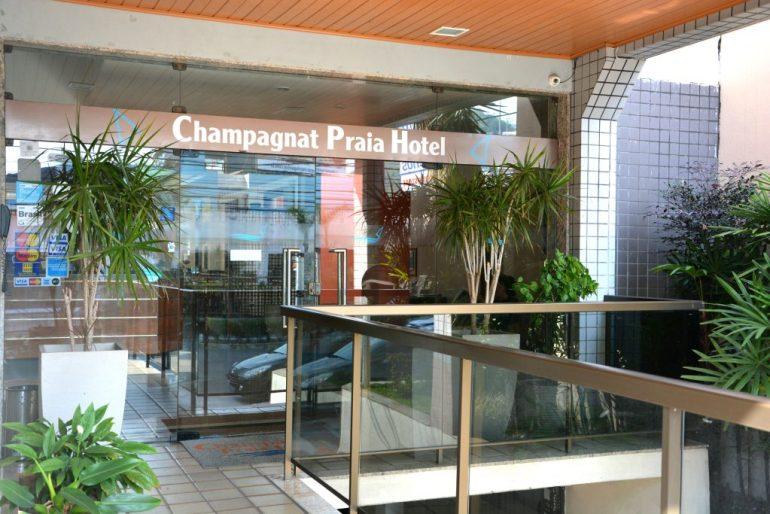 onde-ficar-em-vila-velha-entrada-do-hotel-champagnat
