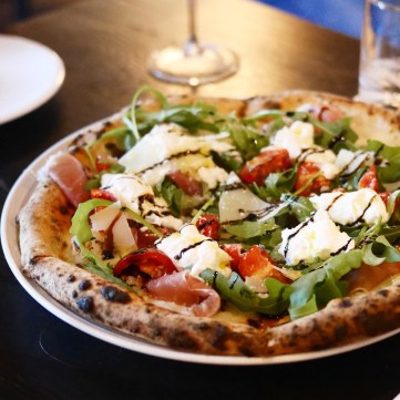 Luka - burrata pizza