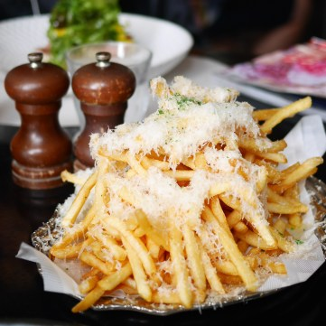 PS Cafe - Truffle Fries