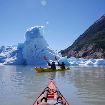 Kayak tour at Glacier Grey with Big Foot Patagonia