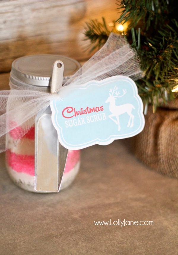 Yummy Christmas sugar scrub in a mason jar (peppermint + lemon scented.) #christmas