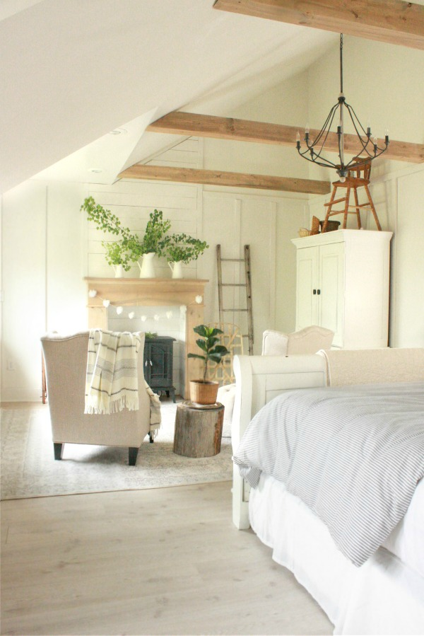 11 stunning farmhouse master bedrooms lolly jane on modern farmhouse master bedroom ideas id=20756