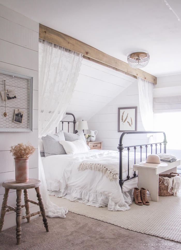 11 stunning farmhouse master bedrooms lolly jane on modern farmhouse master bedroom ideas id=54367